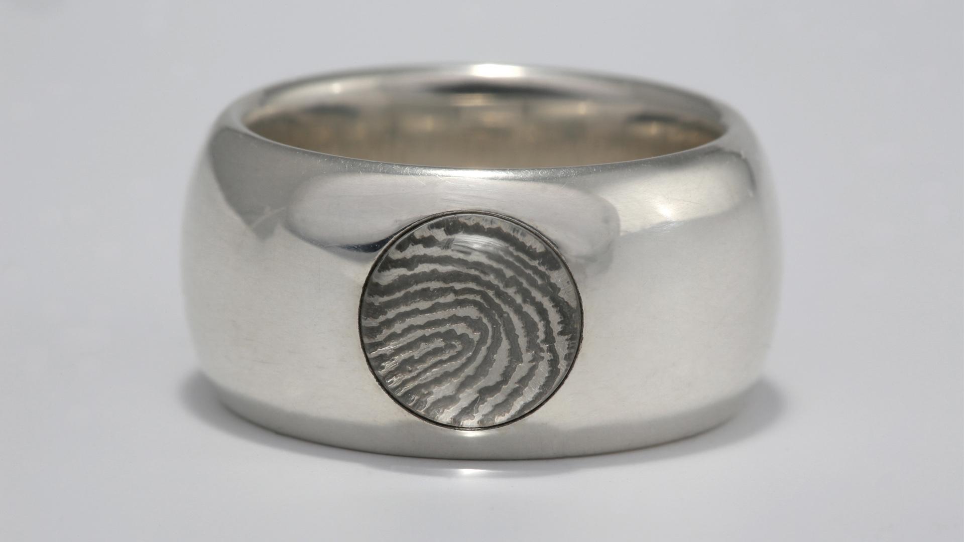 ring met initiaal